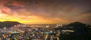Alila 2 33floor night view
