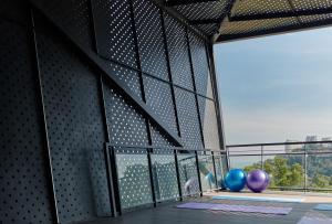 Yoga Deck 03